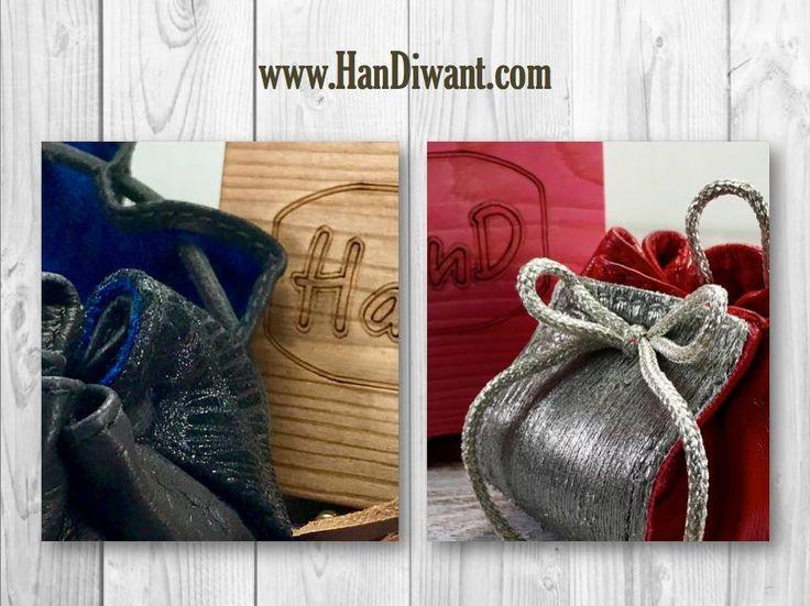 He escrito novelas románticas sobre papel, pero en mi corazón se encuentra mi amor por ti #HanD. AHORA tienes tu #HanD desde 9€ . AHORRAS hasta un 60%  #Monedero #Bolsito en piel de calidad #Artesanal. Protege lo que importa en su interior de terciopelo (💰🔑💄💎💍) 📦ENVIO GRATIS, se sirve en cajita madera. #RegaloOriginal #HanDiwant www.handiwant.com @handmonedero — Products shown: PEKIN H and ATENAS C