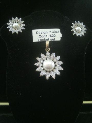 AMERICAN DIAMOND LOCKET SET #AmericanDiamonds #Pashminashawls
