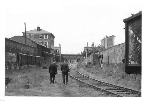 Poplar station on the London and Blackwall Railway line in 1967, looking west (today the site of Blackwall DLR station and Aspen Way)