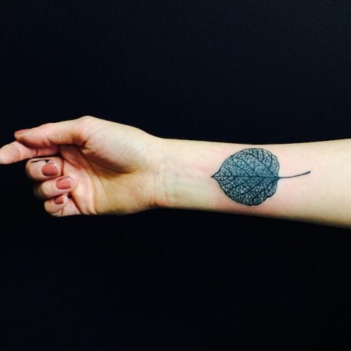 Single needle aspen leaf. Tattoo shared by caspermugridge