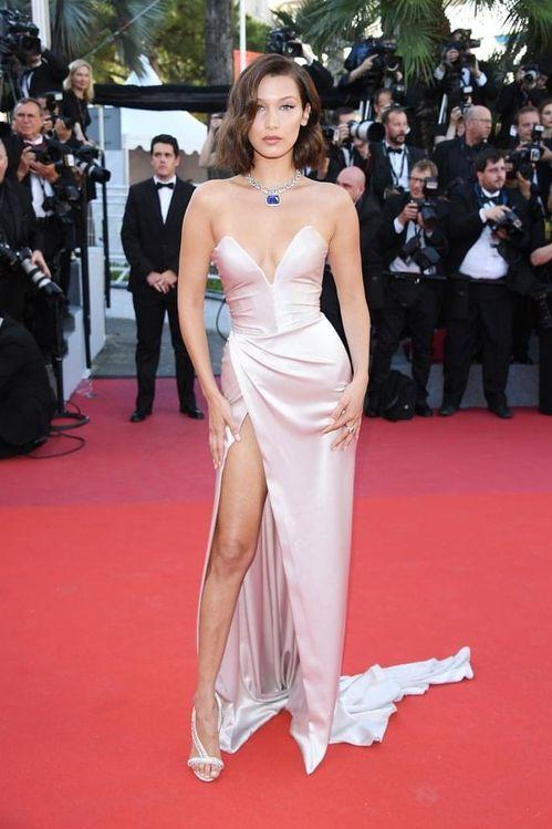 Cannes 2017 - Bella Hadid in Alexandre Vauthier and bijoux Bulgari - Day 1 (cérémonie d'ouverture - montée des marches Les Fantomes d'Ismael)