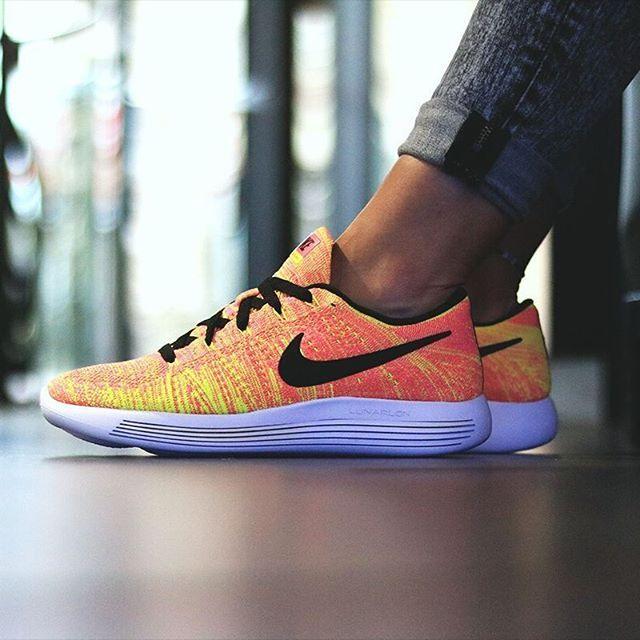 Nike Lunarepic Flyknit dispo chez Courir.