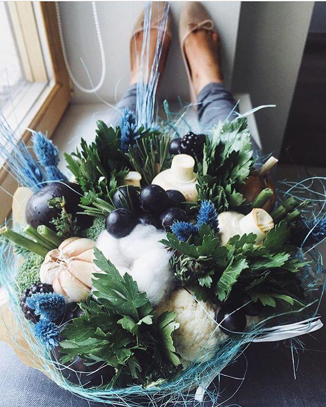 Любовь к трём шампиньонам  винограду и чесноку  Кто понял искусствоведческую шутку, тот молодец  доброе утро! Привет  #ohorosho