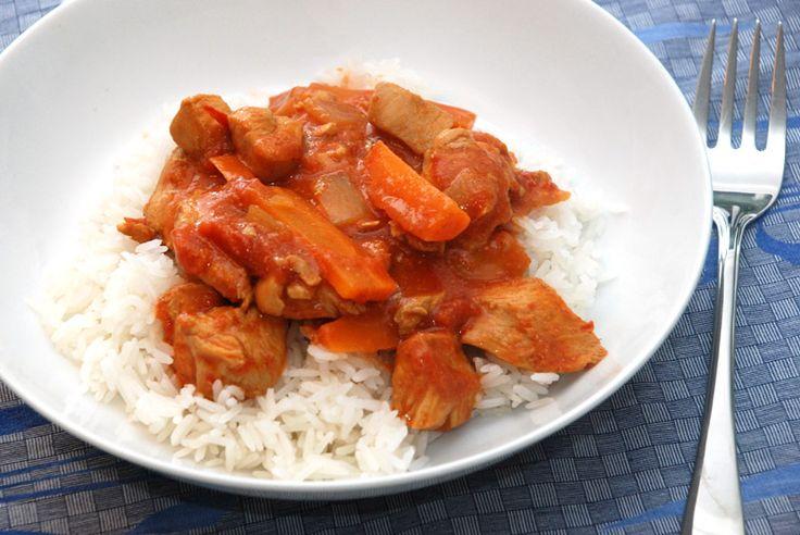 En af de bedste gryderetter: vietnamesisk kylling! Lækker tomat gryderet med kylling.