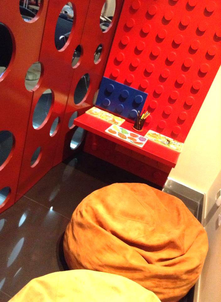 Área de niños en Salón VIP Caral del aeropuerto de #Lima, #Perú http://www.placeok.com/priority-pass-sala-vip-caral/