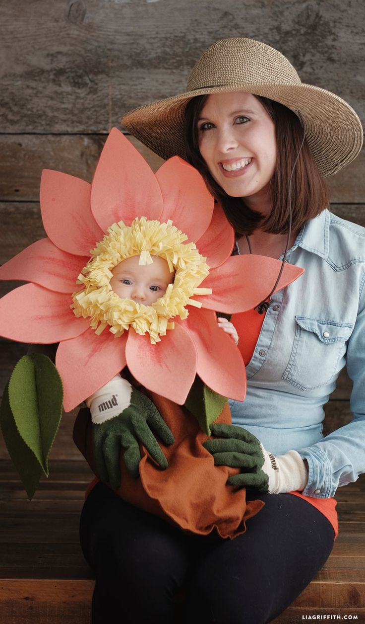 Looking for a last-minute Halloween costume for your baby? This no-sew tutorial from Lia Griffith makes it easy to transform your little one into a cute felt flower that looks like she bloomed right from the garden. Don a gardening hat and gloves to accompany baby as the gardener who helps her grow!