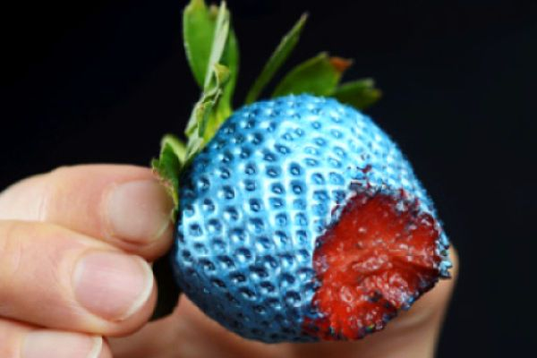 World's First Edible Spray Paint