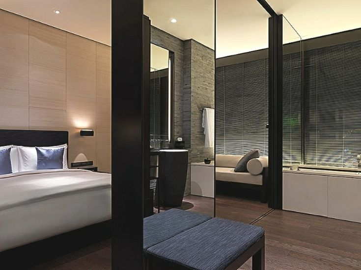 Wonderful Minimalist Villa 2013 for Your Concept : Eclectic Minimalist Villa With Frameless Mirror Design Idea