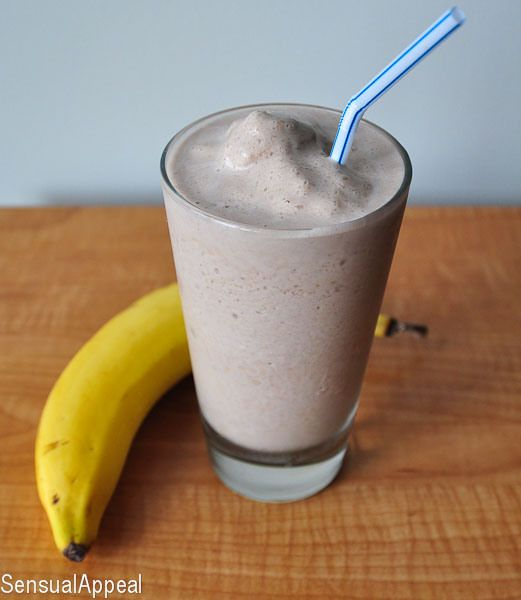 Chunky Monkey Protein Shake #TravelFit http://www.sixpackbags.com
