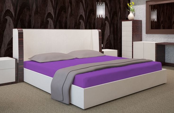 Bawełniane prześcieradło na łóżko koloru fioletowego