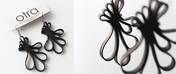 Otra Jewels from bicycle inner tubes. you also find it here: http://www.recyclart.org/2011/12/jewels-otra-road/
