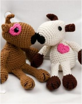 FREE Puppy Love Crochet Pattern!  Would love someone to make these for me! :)