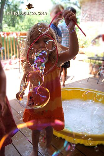 I also had pipe cleaners for the kids to make their own bubble wands. Pipe cleaners are perfect for making great bubbles. The big wands were a hit with everyone!