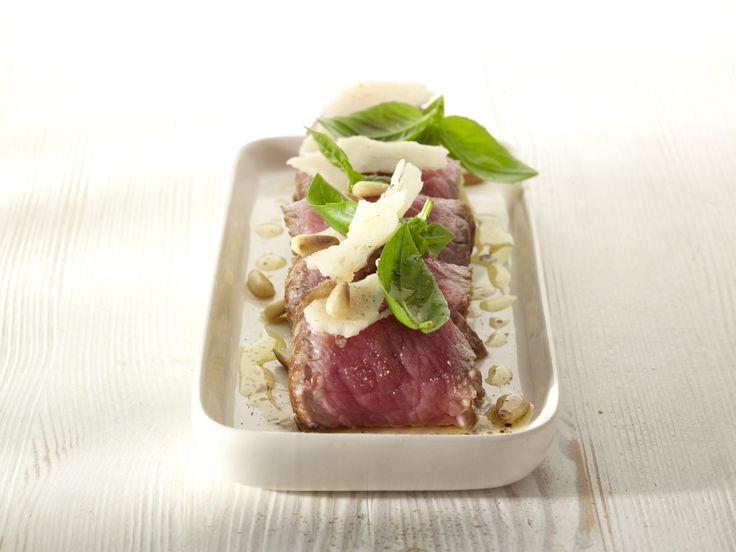 Een overheerlijke rundvleesrolletjes, gevuld met aardappelblokjes, groene boontjes en ansjovis, die maak je met dit recept. Smakelijk!