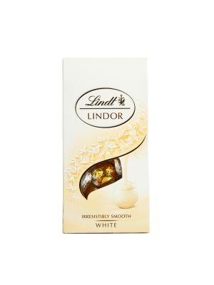 Unikalna formuła pralinek Lindor z delikatnie rozpływającym się nadzieniem. Kiedy aksamitne nadzienie ukryte w wyśmienitej czekoladzie Lindt zacznie rozpływać się w Twoich ustach…Ty rozpłyniesz się z zachwytu.