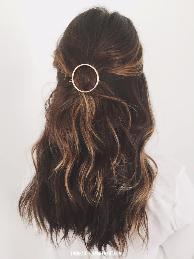 cirlce barrette (clip) hairstyle // the beauty department