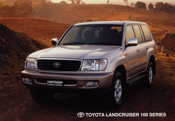 https://flic.kr/p/G7qQXG | Toyota Land Cruiser 100 Series; 2000  (Australia) | front cover auto car brochure | by worldtravellib World Travel library