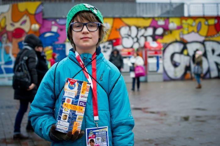 Nasi wolontariusze są w bardzo różnym wieku. Bardzo dużo naszych wolontariuszy to młodzież. To pokazuje, że młodzi lubią i chcą pomagać.