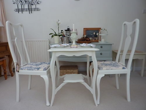 Shabby Chic Style Elegant Queen Anne Chairs with complementing Table | eBay