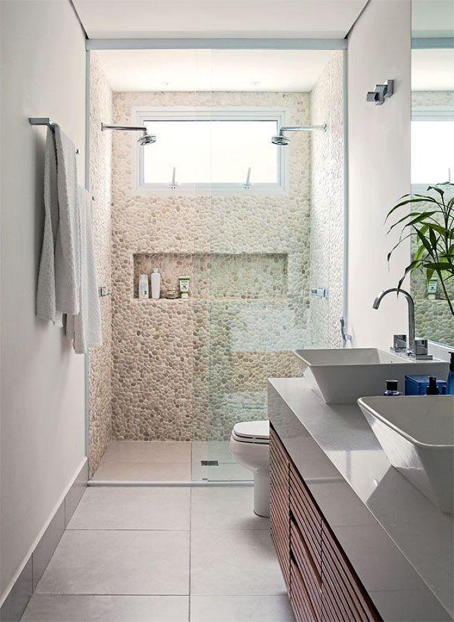 box seixos As pedrinhas em seixo podem ser uma boa opção se quiser ser prático na decoração do seu banheiro. Um revestimento bastante durável e de pouca manutenção e que proporciona ao ambiente beleza, sofisticação e conforto.