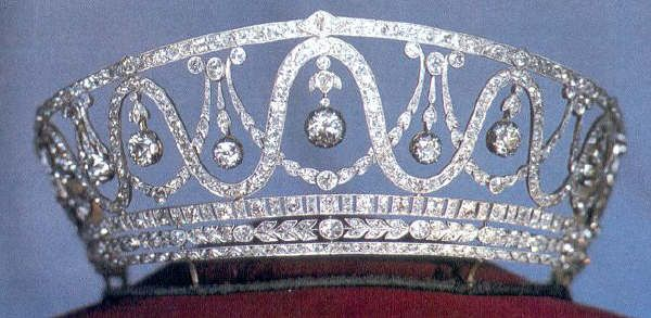 Baden Tiara, Germany (made by Cartier; diamonds). Belonged to Grand Duchess HIlda of Baden.The tiara was put up for sale first in 1973, then again in 1984, and is currently on display in Karlsruhe