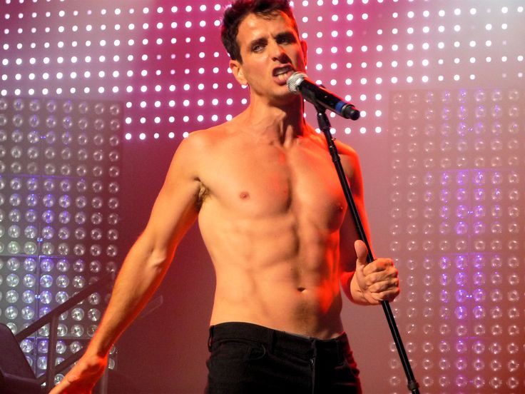 Image Detail for - Joey McIntyre performing shirtless