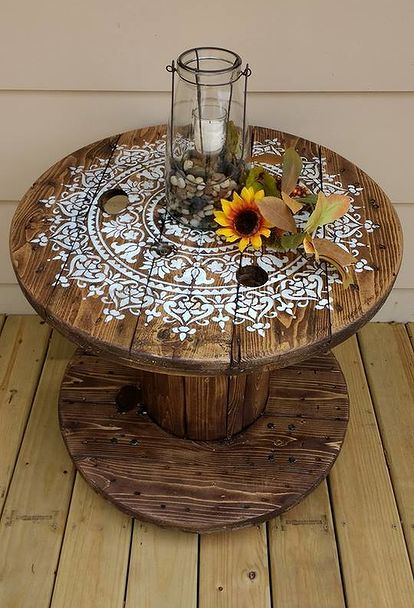 diy cable spool table for ummmm wherever #upcycling #carretel