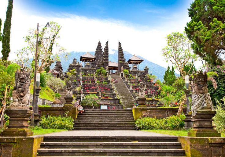 Besakih templet på Bali er det helligste og mest imponerende tempel i Indonesien!