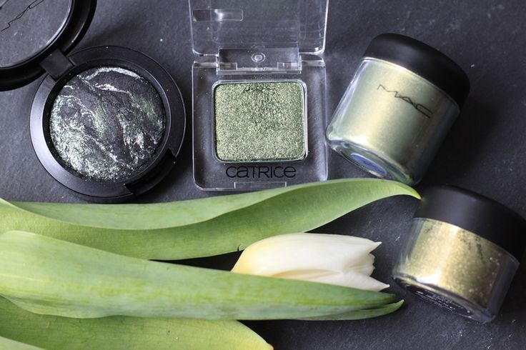 Dreaming in Berlin - http://dreaminginberlin.com/beauty-7-shades-of-green/