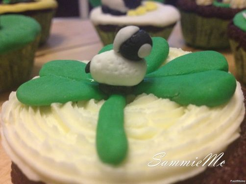 Cupcakes de Guinness y chocolate con Menta para #Mycook http://www.mycook.es/receta/cupcakes-de-guinness-y-chocolate-con-menta/