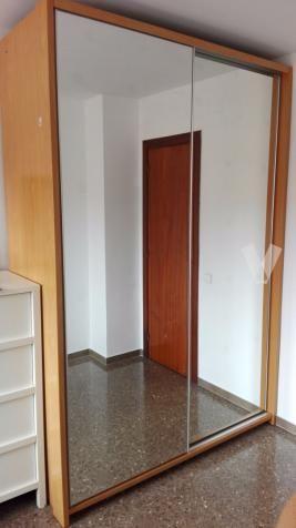 Armario puertas correderas espejo (163x240x59cm) en Barcelona - vibbo - 93490641