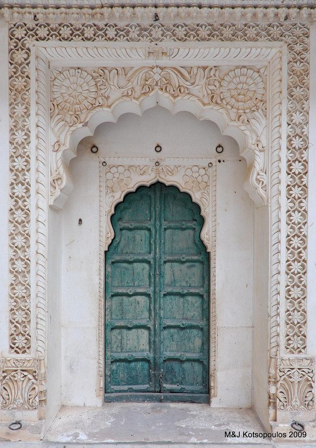 This carved gorgeousness from Jodhpur. | 27 Doors In India You'd Definitely Want To Knock On