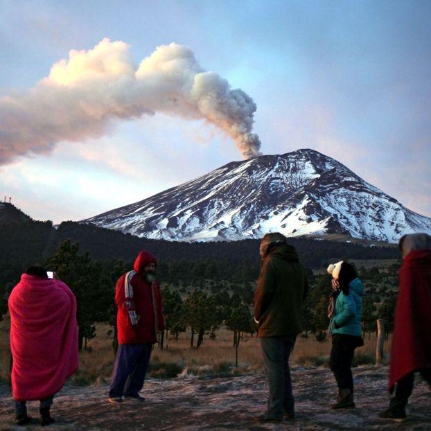 L'eruzione del vulcano #Popocatépetl, nella regione di Puebla #Messico