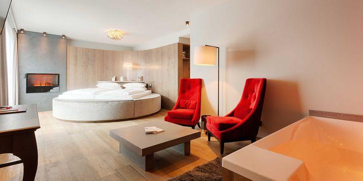 😍😍 So schön wohnt es sich im exklusiven ⭐⭐⭐⭐ Sterne SUPERIOR Hotel Bodenmaiser Hof in Bayern / Deutschland! Doppelzimmer schon ab €97.- inkl. Verwöhnpension  #leadingsparesorts #leadingspa #wellness #spa #beauty #rooms #suite #wohnen #schlafen #müde #design #modern #kuscheln #romantic