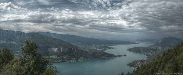 Col de la Forclaz... Lac d'Annecy © Yves Roussel
