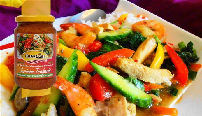 Surinaams eten – Chop Soy Speciaal (lekker en gezond kip-, garnaal- en groente gerecht)