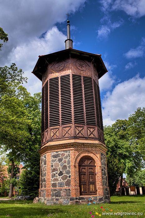 Dzwonnica przy kościele farnym. #fara #kosciolfarny #wagrowiec #wielkopolska #polska #poland #dzwon #dzwonnica #wągrowiec