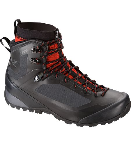 Bora2 Mid GTX Hiking Boot Men's Versatile technical hiking footwear with interchangeable Arc'teryx Adaptive Fit liners, a seamless thermolaminated upper and the versatility for extended trips across varied terrain in shifting conditions.