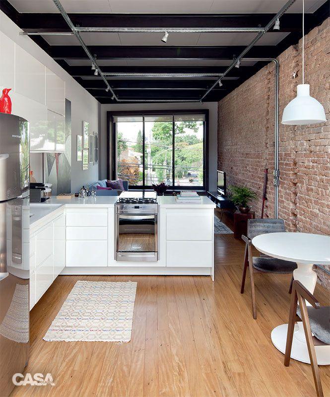 Reforma no sobrado: sala e cozinha foram parar no andar superior - Casa