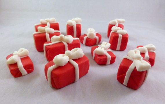12 count gumpaste Christmas presents sugar by GoodnessCakes