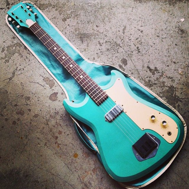 17 Best Images About Guitars On Pinterest: 17 Best Images About Silvertone Guitars And Amps On