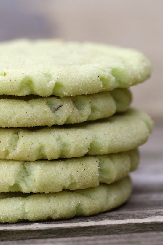 Pistachio Pudding Sugar Cookies - Pistachio pudding mix jazzes up the humble sugar cookie. Perfect soft yet chewy texture, and easy to make! {vegan}