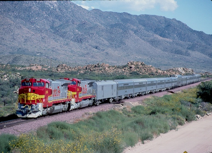 GE B40-W's on a Burlington Northern/Santa Fe Shipper's Special. (taken approx 76 miles northwest of Phoenix on the Peavine Line, in Piedmont, Arizona.)