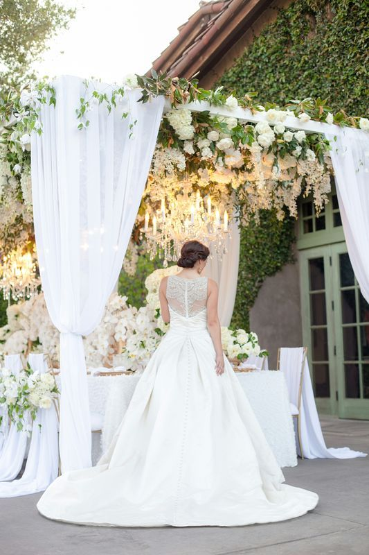 To see more gorgeous details about this wedding: http://www.modwedding.com/2014/11/20/san-diego-garden-wedding-inspiration-shoot/ #wedding #weddings #wedding_centerpiece #wedding_reception photo: Joseph Matthew Photography