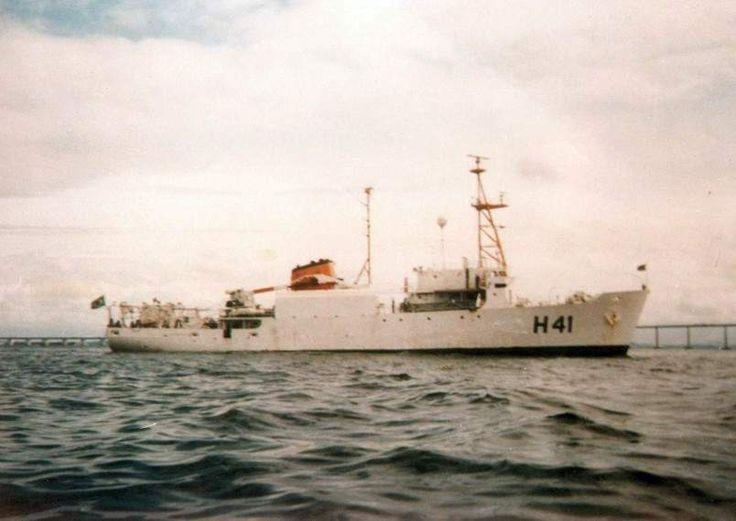 O Almirante Câmara, na Baia da Guanabara. (foto: Marinha do Brasil, via CF Carlos Roberto da Silva).
