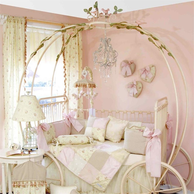 Cinderella carriage crib turns into a carriage bed for Chambre princesse