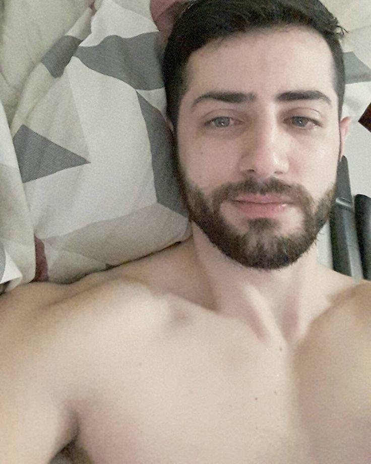 Quando você começa a sentir que não precisa de mais ninguém.  Então você se encontrou.  #Autocompleto  #barba #beard #man #boy #love #gay #gaycampinas #gaysp #gaybrasil #me #selfie #instagood #indaiatuba #instaboy #instagay by eduardogarcia08