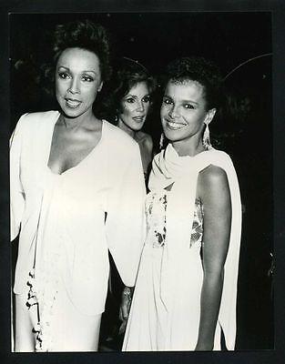 1984 DIAHANN CARROLL & SHARI BELAFONTE Vintage Original Photo JULIA DYNASTY gp