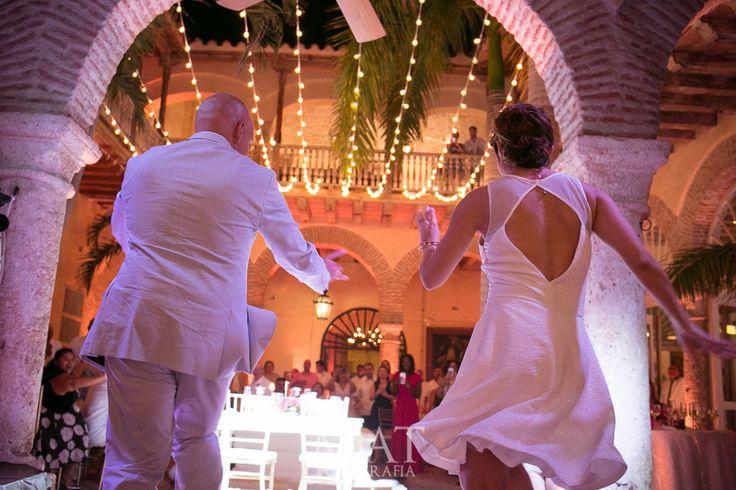 magical weddings Colombia, boda de destino, destination wedding in Cartagena de indias colombia @mibodaencartagena #mibodaencartagena, Organizadora de Bodas, Wedding Planner #ItalaVasquez, Mi Boda En Cartagena, http://www.mibodaencartagena.com Fotografía y Video Miguel Torres, MAT