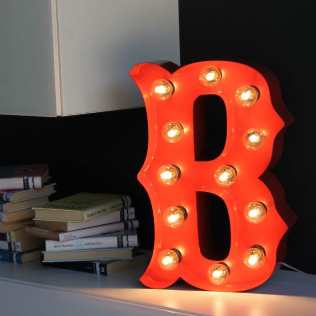 Letra decorativa con bombillas.  #letrasdecorativasconluz  www.letrasydecoracion.es